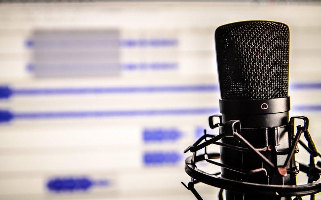 microphone-audio-computer-sound-recording